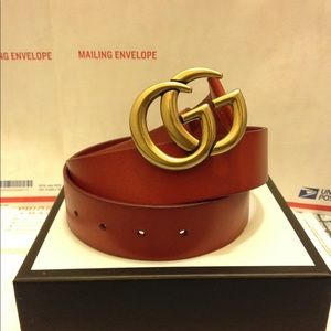 Gucci cuir leather gold double g buckle belt